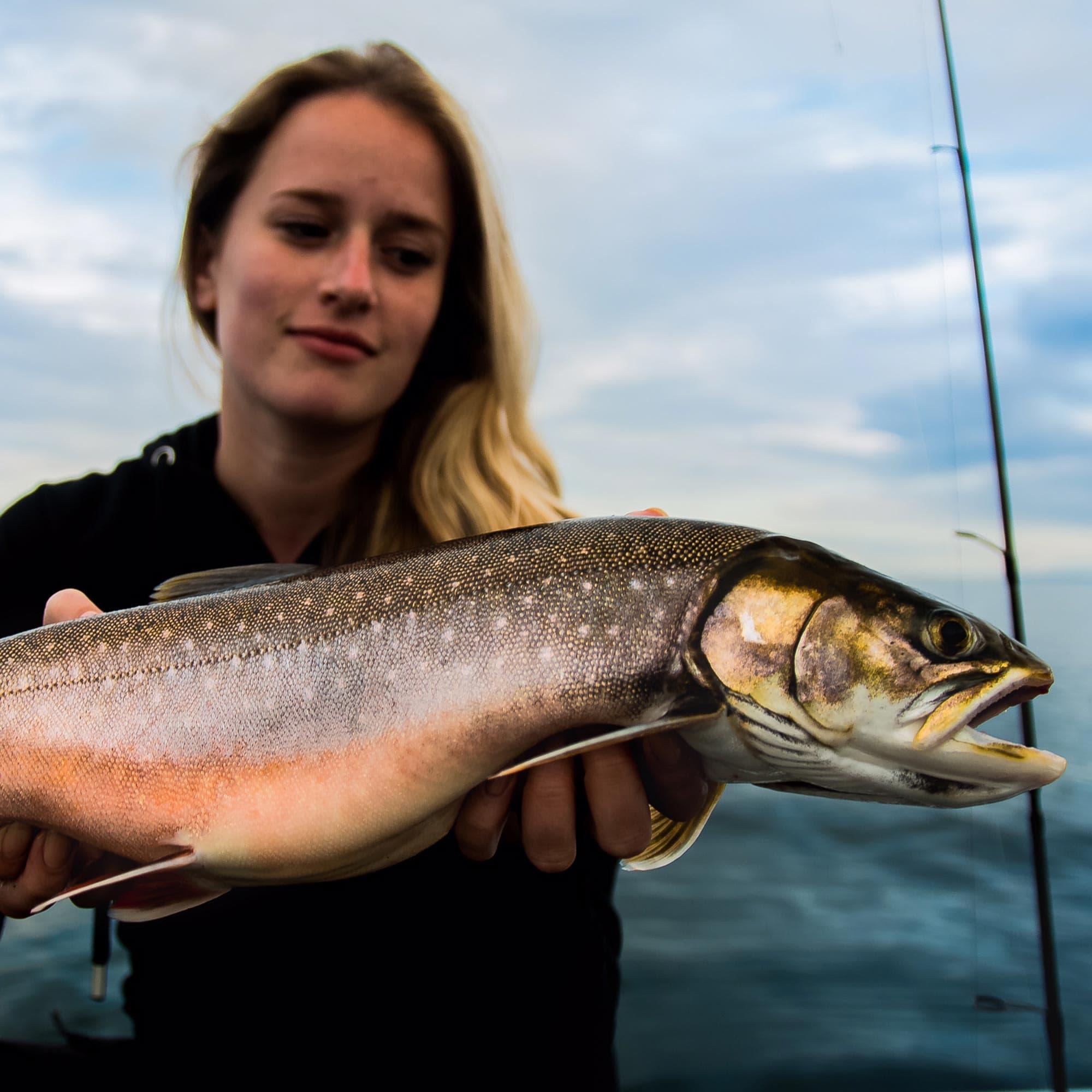 https://www.olssonsfiske.se/pub_docs/files/Custom_Item_Images/startpage-kategori-fiskeredskap.jpg